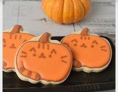 Pumpkin pusheen cookies