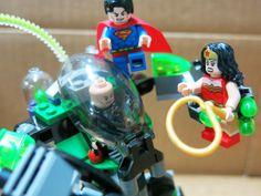 Superman™ vs. Power Armor Lex