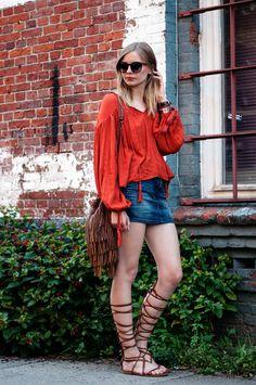 oranege hippie boho blouse, autumn look, jeans mini skirt, fringe bag, gladiator sandals, saint laurent bag - Streetstyle, Festival Outfit, Blogger, Hamburg