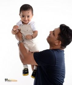 Everyone cherishes the moments spent with their dad. There's no better way to re-live the fond memories shared with your dad than by capturing the moments through photographs. This article shares some ideas on how to capture amazing dad and me photographs.