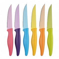 Set di 6 coltelli da bistecca in acciaio colorato.