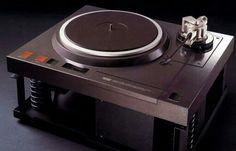 Vintage audio Denon DP-100M turntable