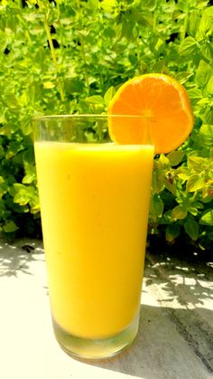 A delicious tropical mango smoothie which uses coconut milk for a holiday tropical taste! Click for the yummy recipe