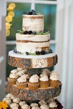 5 Tips for Choosing a Wedding Cake Rustic naked buttercream cake by Bella Manse Wedding Cake Design Small Wedding Cakes, Wedding Cake Rustic, Wedding Cakes With Cupcakes, Wedding Cake Designs, Rustic Weddings, Rustic Cupcakes, Rustic Cake, Vintage Wedding Cakes, Wedding Cake Simple