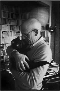 Magnum Photos : Michel Foucault by Rene Burri Crazy Cat Lady, Crazy Cats, I Love Cats, Cool Cats, Patricia Highsmith, Celebrities With Cats, Men With Cats, Animal Gato, Son Chat