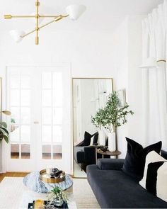 60 Lovely Small Living Room Ideas For Apartment. Here are the Small Living Room Ideas For Apartment. This post about Small Living Room Ideas For Apartment was posted Living Room Inspiration, Home Decor Inspiration, Decor Ideas, Decorating Ideas, Casas California, California Living, California Style, Living Room Designs, Living Room Decor