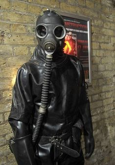 Latex Men, Latex Suit, Latex Dress, Rubber Catsuit, Neoprene Rubber, Gas Mask Girl, Hazmat Suit, Lolita Cosplay, Heavy Rubber