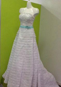 ¡Nuevo vestido publicado!  Vestido ajustable ¡por sólo $4500! ¡Ahorra un 25%!   http://www.weddalia.com/mx/tienda-vender-vestido-de-novia/vestido-ajustable/ #VestidosDeNovia vía www.weddalia.com/mx