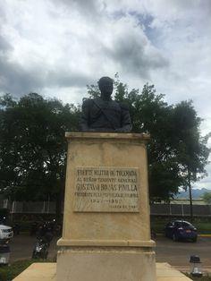 Homenaje al señor Teniente General Gustavo Rojas Pinilla en el Fuerte Militar de Tolemaida