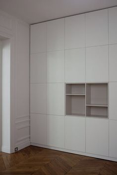 Ideas for bedroom wardrobe design shelves Built In Furniture, Bespoke Furniture, Home Furniture, Ikea Closet, Closet Storage, Ikea Kitchen Cupboards, Bedroom Dresser Styling, Hacks Ikea, Dining Room Colors