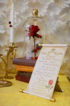 Estas invitaciones inspiradas en La Bella y la Bestia prometen una experiencia de cuento de hadas con un final feliz...