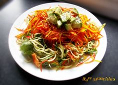 Raw Vegan Zucchini Pad Thai   Rawmunchies.org  #RECIPE HERE: http://www.rawmunchies.org/recipes #Raw #vegan #rawvegan #glutenfree #padthai #rawveganpadthai #rawveganpadthai