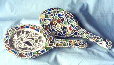 Peça decorativa em madeira revestido com vidro e espelho. Sugestão: pode ser utilizado para decoração de vitrine ou cenário.