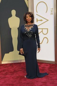 Alfre Woodard Oscars 2014 The star stormed the red carpet in a Badgley Mischka gown and Martin Katz jewels.