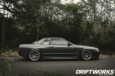 billy-sutton-nissan-skyline-r32-gts-t-side