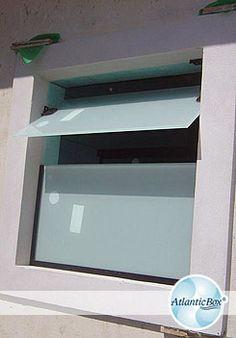 Janelas Basculantes e Pivoltantes de vidro /   http://www.atlanticbox.com.br/site/guarda-corpo/