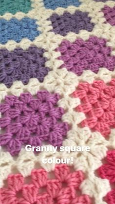 Crochet Stitches For Blankets, Afghan Crochet Patterns, Baby Blanket Crochet, Rainbow Crochet, Crochet Granny, Crochet Motif, Granny Square Pattern Free, Granny Square Blanket, Knitting Projects
