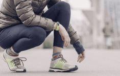 Tips mengatasi atau menyembuhkan asma dengan olahraga Women's Athletic Leggings, Fit Women, Women Wear, Shorty, Fat To Fit, Lose Fat, Fashion Images, Fitness Tracker, Fun Workouts