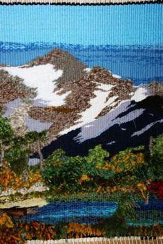 la montaña mística tapiz de alto lizo lana,cuerda,algodon artesanal