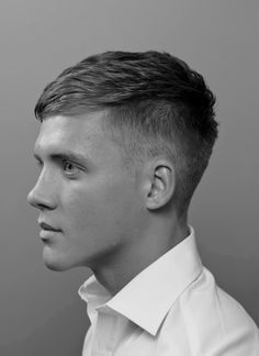Looking for a classic and sophisticated style? The classic taper haircut is calling your name. Here is an in-depth look at the [Classic Taper Haircut]. Undercut Men, Undercut Hairstyles, Straight Hairstyles, Short Undercut, Disconnected Undercut, Hairstyle Short, Modern Hairstyles, Hairstyle Ideas, Teen Boy Hairstyles