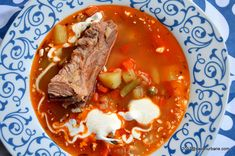 ciorba taraneasca pe oase de porc cu legume Supe, Thai Red Curry, Meal Prep, Beef, Meals, Ethnic Recipes, Roots, Dan, Pork