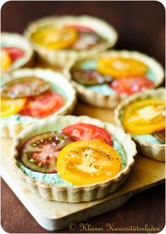 Somebody translate because this looks delish. Yummy Eats, Yummy Food, Quiches, Baked Dinner Recipes, Tartelette, Just Eat It, Savoury Dishes, Sweet And Salty, Cooking Time