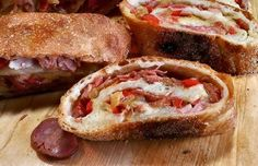 Portuguese Chourico Bread with Ham, Peppers and Onions Portuguese Bread, Portuguese Recipes, Portuguese Culture, Spanish Recipes, Bread Recipes, Cooking Recipes, Sausage Bread, Peppers And Onions, Mets