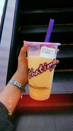 Do u want chatime or chat-time with me? Starbucks Snapchat, Bubble Tea, Food Cravings, Caption, Jasmine, Cheers, Bubbles, Mood, Photo And Video