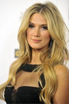 Singer Delta Goodrem has the perfect long, layered look. #hair #long #haircut #layers