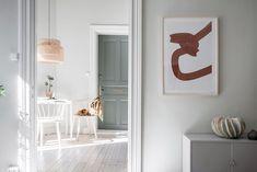 Primavera in un appartamento svedese • la tazzina blu Small Apartments, Rum, Interior And Exterior, House Design, Mirror, Furniture, Color, Home Decor, Nest