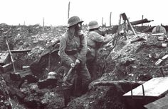 German soldiers man defenses during the Battle of Verdun - France - 1916 [600 x 394]