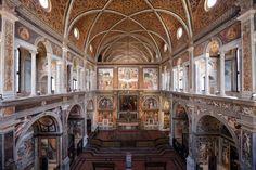 San Maurizio al Monastero Maggiore è una delle mete preferite di turisti e milanesi che visitano la città. L'accesso alla chiesa ormai