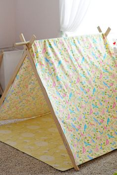 Celebrations and Sweet Creations - Stephanie Campagna: {DIY} Play Tent