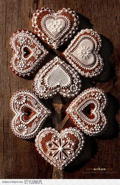 Cookies are light, sweet and even a little bit delicate, just like lace. So, why not combine them to make a doubly light, sweet and delicate treat? These cookies designs definitely take skill and p. Cookies Cupcake, Galletas Cookies, Heart Cookies, Valentine Cookies, Christmas Cookies, Valentines, Lace Cookies, Sugar Cookies, Heart Cupcakes