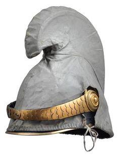 Dragoner-Mannschaftshelm Muster 1905 samt grauem Wachstuchbezug,