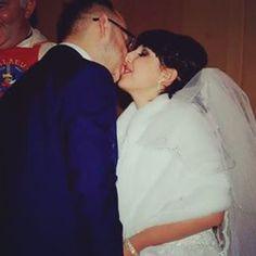 2 rocznica ślubu ❤❤ #happyaniversary #wedding #weddingdress #weddinganiversary #family #rodzina #husband #wife #mąż #żona #happyfamily #mylife #mylove #myeverything #mywholeworld #picoftheday #photography #photooftheday #milosczycia #love #life #maj #may #rodzice #elegant http://gelinshop.com/ipost/1515144689837496569/?code=BUG4BFdFVj5