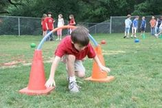 Field Day activities keep kids moving and make for a truly memorable and fun event! Plan for your field day activities and field day games with these creative ideas and tips. Field Day Activities, Field Day Games, Pe Activities, Youth Games, Gym Games, Camping Games, School Games, School Fun, School Teacher