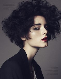 AM Hottie: Unconventional Beauty Anna De Rijk
