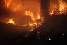 Bangladesch: Die Mitarbeiter waren in dem Gebäude eingeschlossen. Ein Sprecher der Feuerwehr sagte, Notausgänge seien in der Fabrik nicht vorhanden gewesen