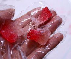 식용 색소 없이 과일청 코하쿠토 보석 젤리 만들기 Strawberry, Fruit, Food, Strawberry Fruit, Hoods, Meals, Strawberries