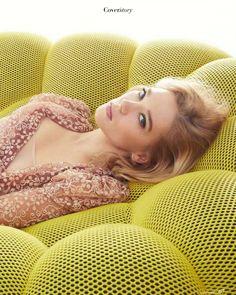Seydouxced by Léa( Black Prom Suits, Lea Seydoux Style, Daniel Craig James Bond, Pretty Brunette, Celebrity Stars, Bond Girls, French Actress, Eva Green, Most Beautiful Women