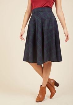 Teachin' to the Choir Midi Skirt. You've workshopped each voice section and are ready to present your choral masterpiece in this plaid midi skirt! #blue #modcloth