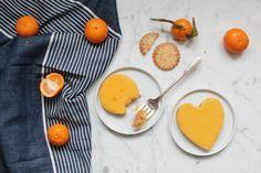 La recette des tartelettes à la mandarine express pour la Saint-Valentin : base biscuit et curd à la mandarine au micro-ondes ! http://www.royalchill.com/2017/02/10/tartelettes-faciles-a-la-mandarine-pour-la-saint-valentin/ #food #photography #recette #cuisine #saintvalentin #mandarine #love
