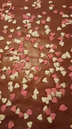 #leivojakoristele #ystävänpäivähaaste Kiitos Tiina H. Gingerbread Cookies, Sprinkles, Candy, Desserts, Gingerbread Cupcakes, Tailgate Desserts, Deserts, Postres, Sweets