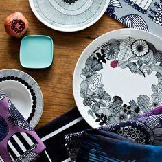 繊細なタッチで描かれた器はモダンな雰囲気で、食卓をお洒落に彩ってくれそう。