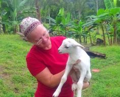 L'chaim Pura Vida!: Our Newborn Lamb!