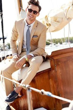 Khaki suit + gray tie + sneakers