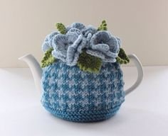 Berkley Houndstooth - Hand-knitted Houndstooth Floral Tea Cosy - in Merino Wool and Cashmere mix - Size SMALL - by Tafferty Designs