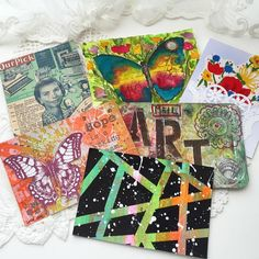 Some awesomeness from @ihanna's Spring 2016 Postcard Swap rolled in, photo by @radishblossom  #diypostcardswap #happymail