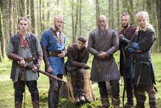 Vikings Ragnar, Vikings Tv Show, Ivar Vikings, Vikings Season 4, Vikings Tv Series, Ragnar Lothbrok Sons, Travis Fimmel, Viking Shop, Viking Life
